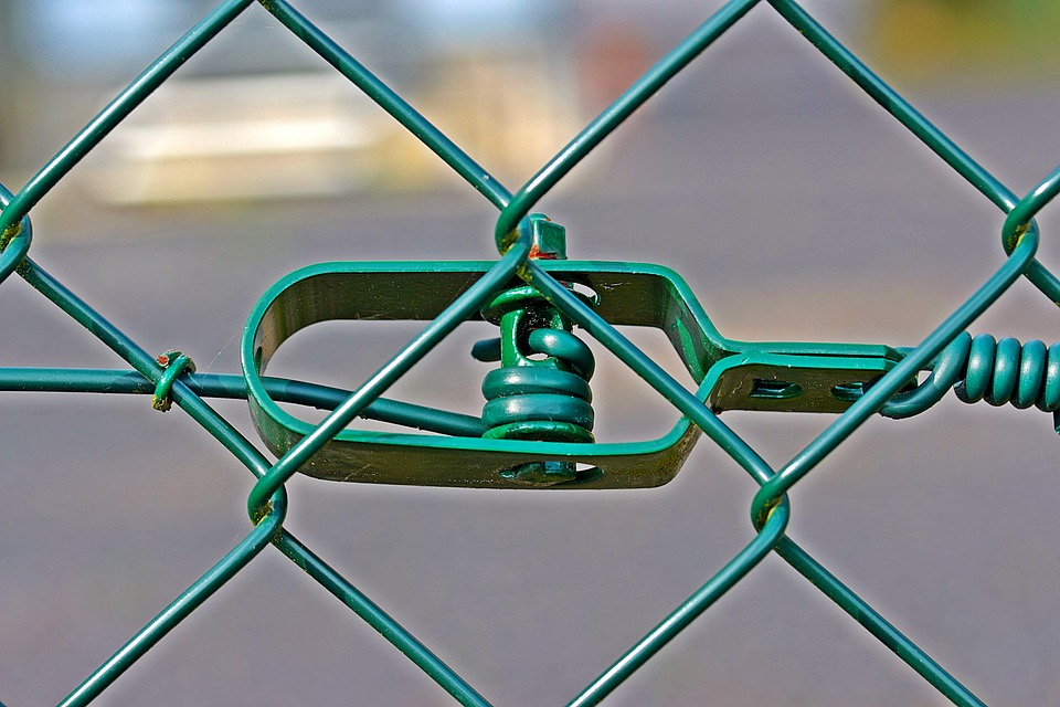 Wire Mesh Fence Tensioner 183 Free Photo On Pixabay