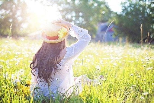 女性, フィールド, 日光, ファッション, 帽子, 女の子, 若い女性