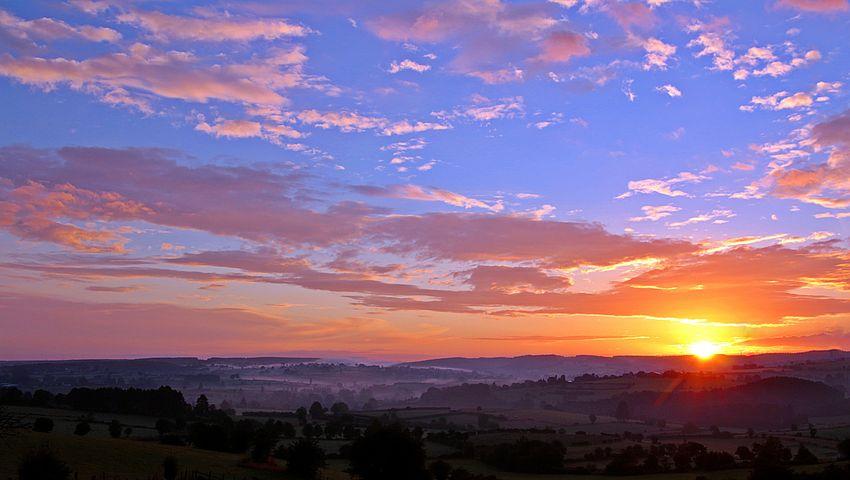 sunrise-1513802__480.jpg