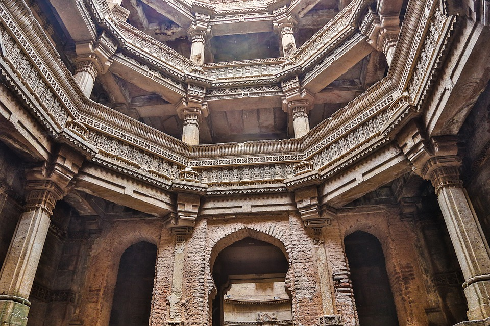Adalaj Stepwell , Gujarat   Top Unexplored Travel Places in India