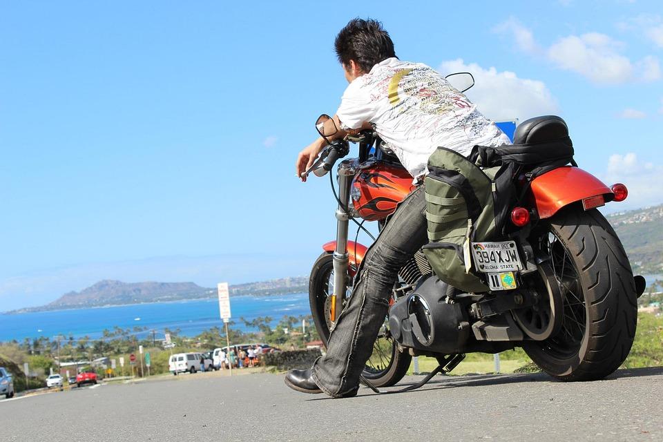 オートバイのタイヤの選び方|種類別・ホイール・冬用タイヤなど