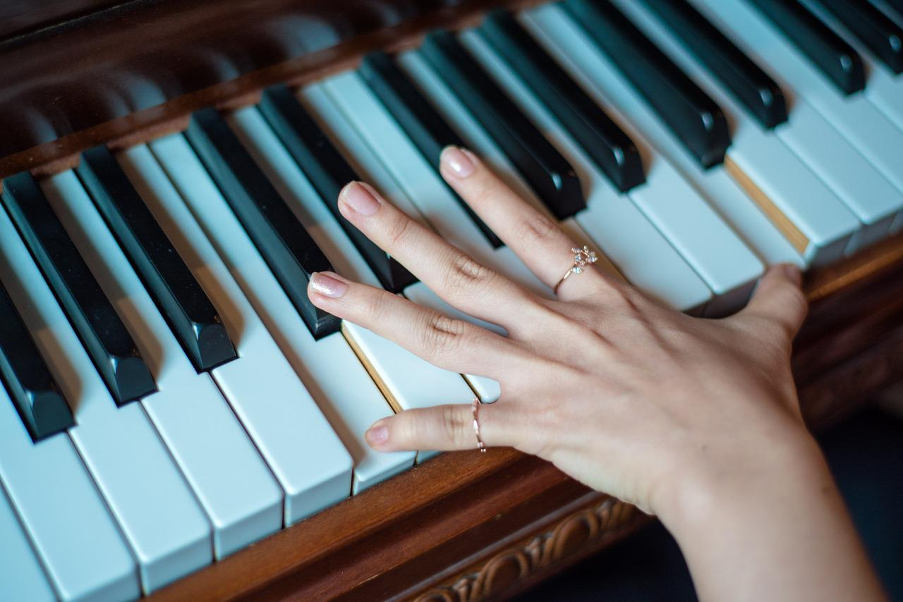 руки пианистов фото сейчас тоже будет