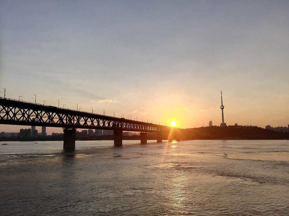 Puente Sobre El Río Yangtze, Puesta De Sol, Afterglow