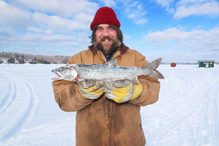 рыбак в канаде