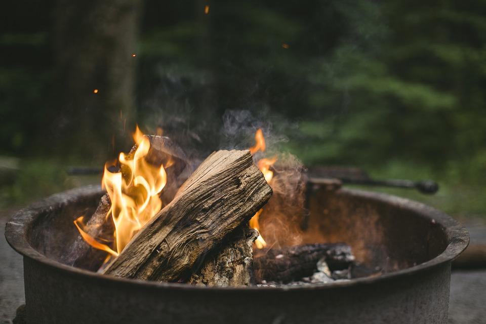 火, 寒さ, キャンプファイヤー, 暖炉, 夜, ログ, 赤, ブレイズ, ツリー, たき火, リラックス