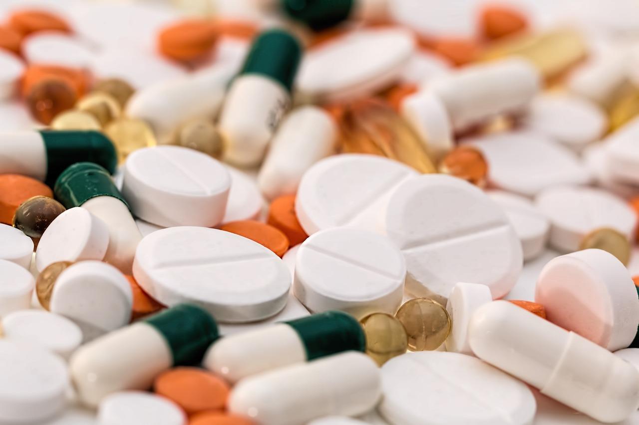Konsumsi obat anti nyeri berlebih penyebab penyakit gastritis