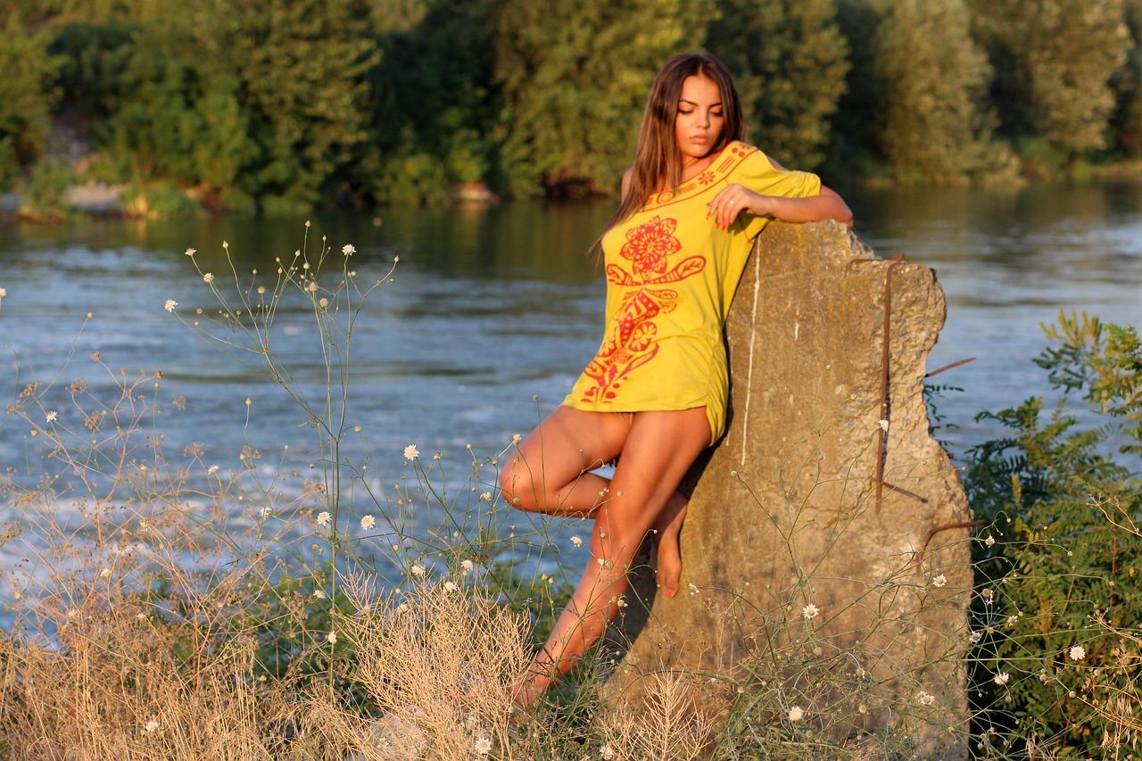девка у реки видео - 13