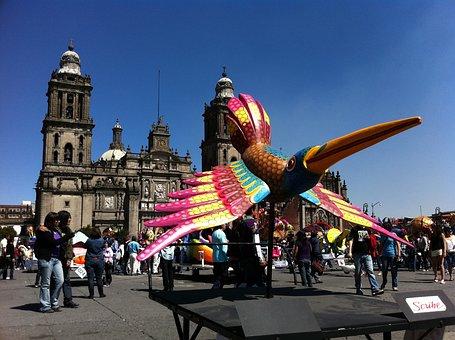 Qué visitar en ciudad de México, La Plaza de la Constitución. El Zócalo