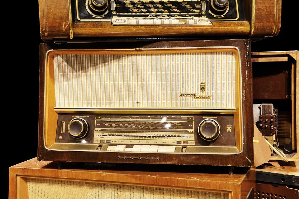 radio free images on pixabay