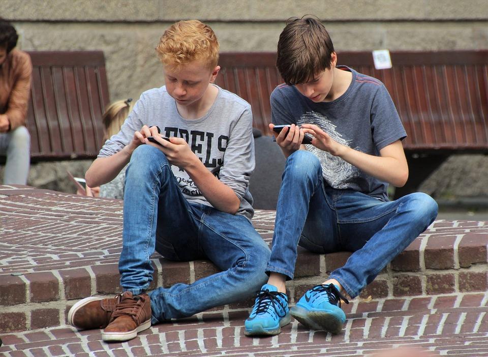 ポケモン, ポケモン行きます, 電話, ゲーム, インターネット, お友達と, モバイル, 携帯電話, 技術
