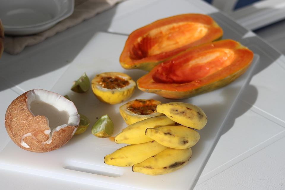Frutta Esotica, Noce Di Cocco, Papaia, Piccole Banane