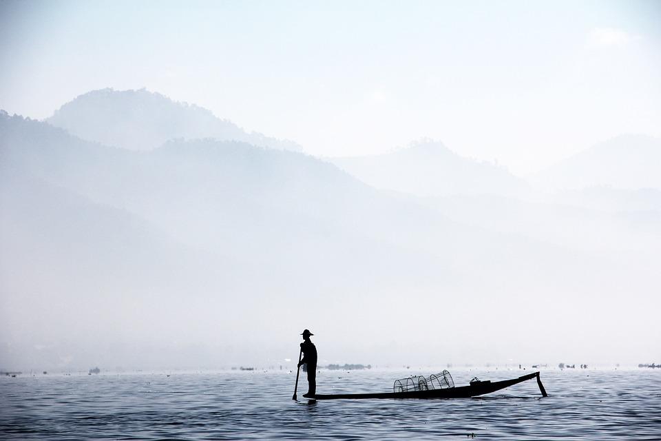 漁師, 片脚・ フィッシャー, ミャンマー, インレー, 塩水, Inlesee, 魚, ボート, 霧