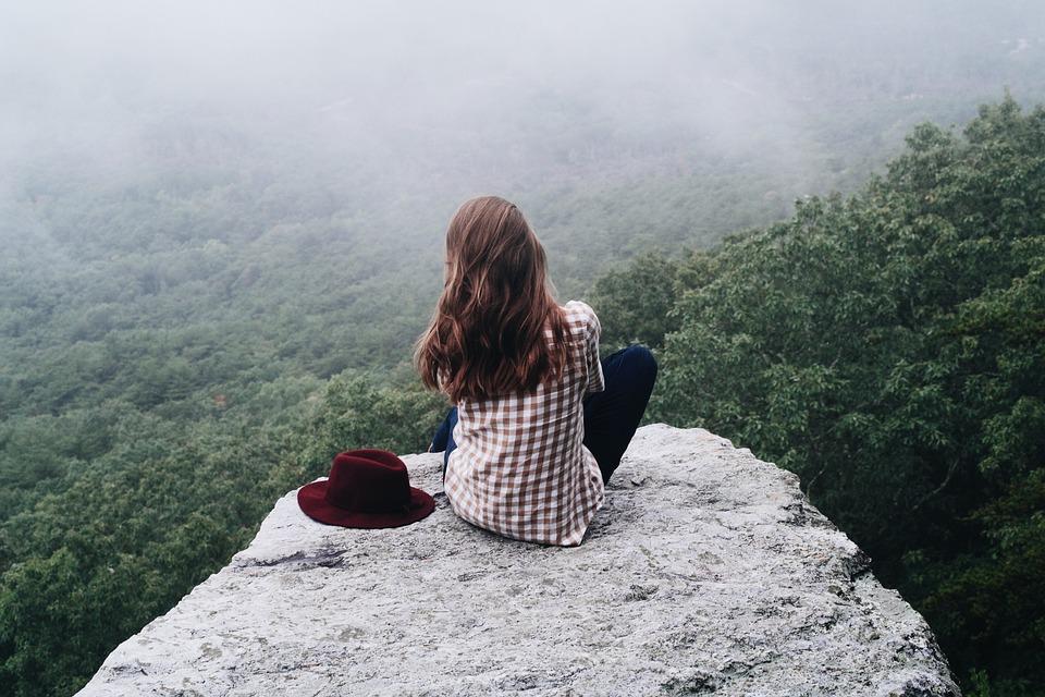 女の子, 女性, 人, 山, ビュー, 穏やかな, 森林, 帽子, 壁紙女の子, 4Kの壁紙