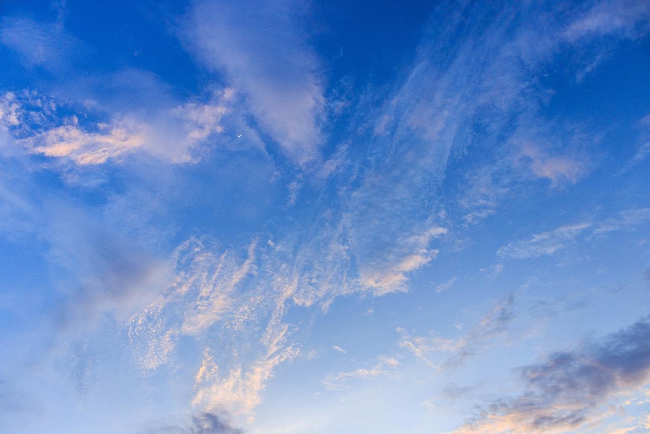картинки красивое небо с облаками ангелы демоны