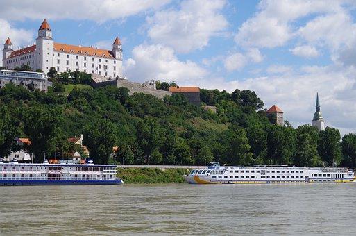 Bratislava, Slovakia, Slott