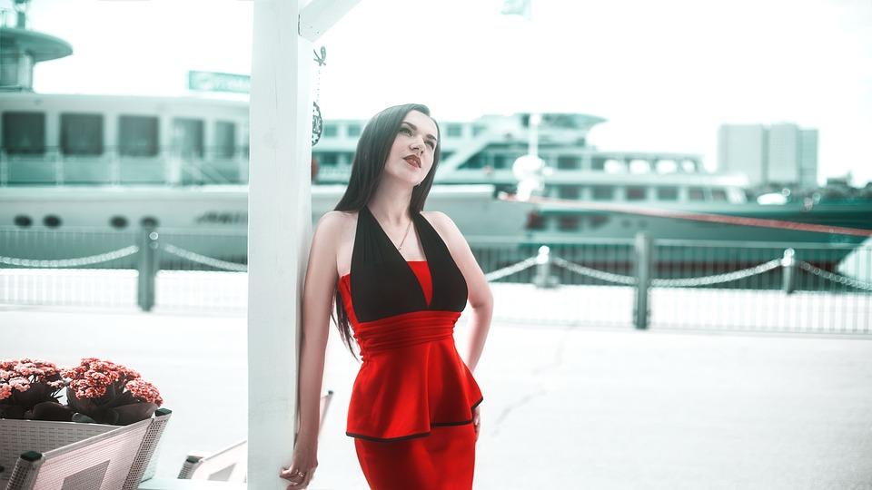 52f1fe3327f Κορίτσι Σε Ένα Κόκκινο Φόρεμα Γιοτ - Δωρεάν φωτογραφία στο Pixabay