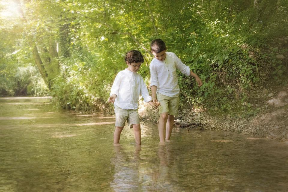 子供, 水, 川, 一緒に, 手, 仲間, 人々, 再生, スプラッシュ, ウェット, 湖, 休日, ゲーム