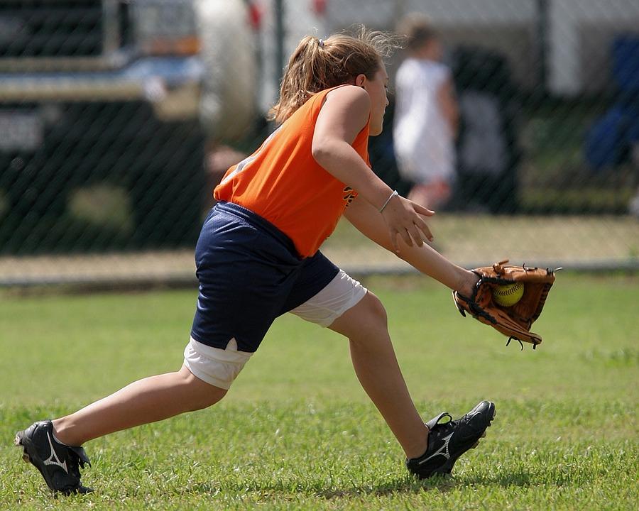 ソフトボール, プレーヤー, キャッチ, 野手, 女性, ゲーム, 外野, 午後, スポーツ, 運動選手, 草