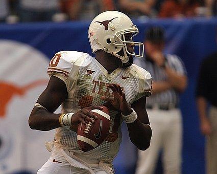 Football, Quarterback, Action, Passing