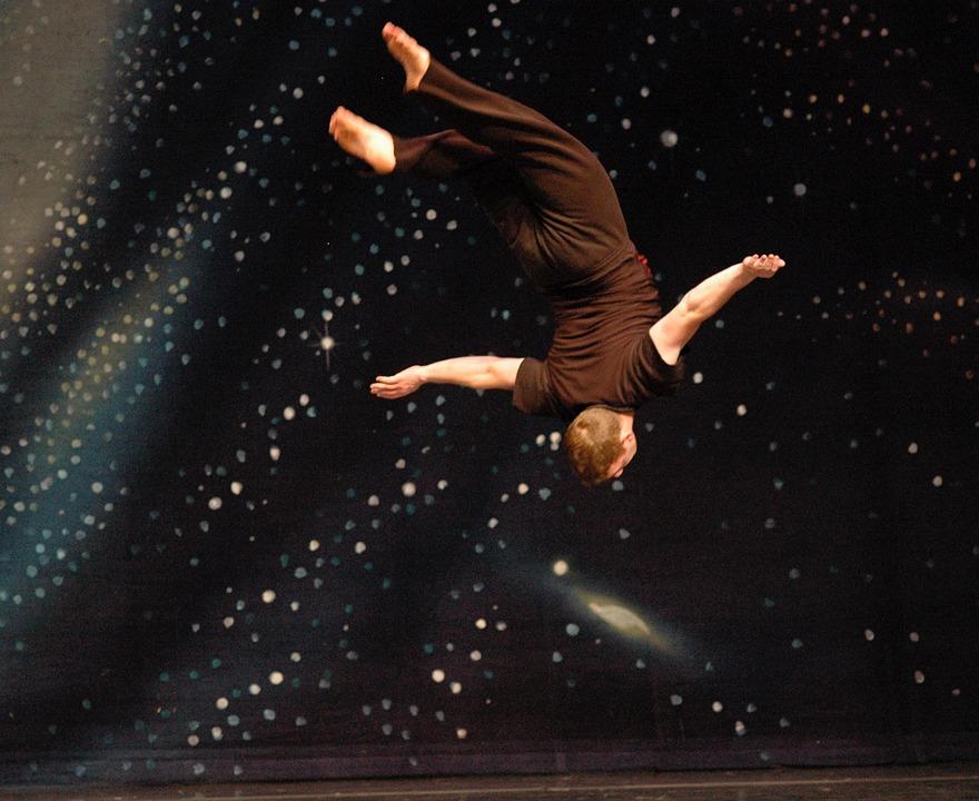 体操選手, 男, 飛行, フライ, レイアウトを戻す, スペース, ゼロ重力, 男性, スポーツ, 運動選手