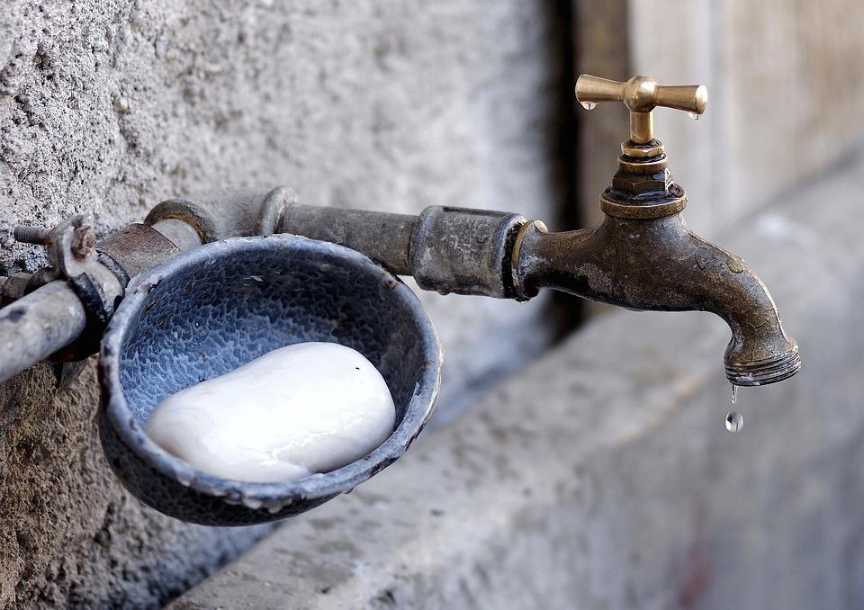 蛇口, 石鹸, 手を洗う, 噴水, ファーム, 水, ノスタルジックです, 農業, 歴史的に, 感情的です