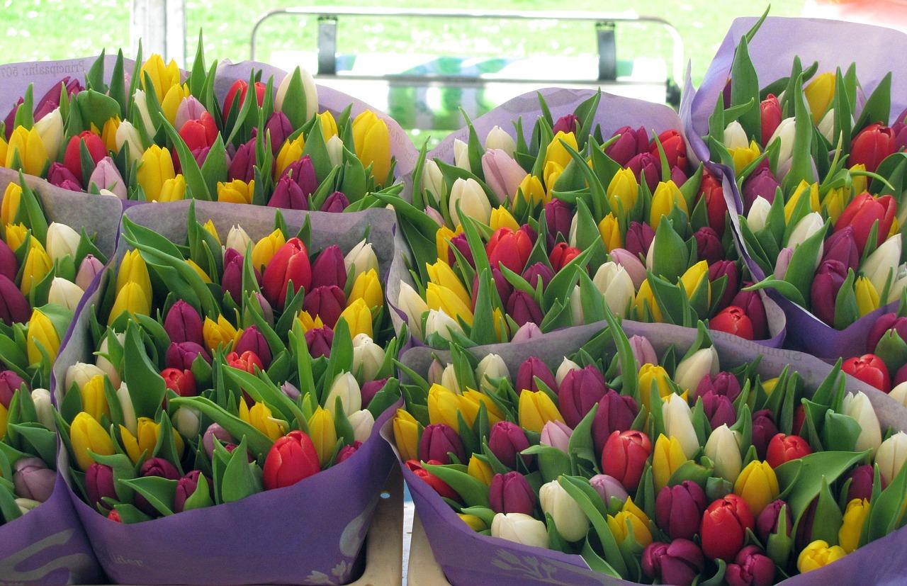 Кто заказывает цветы малым оптом, букеты виде
