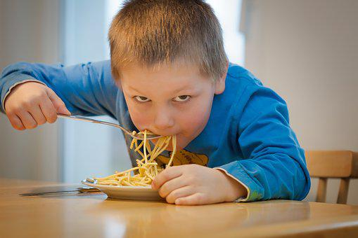 Comer Fideos Los Niños Pasta Espaguetis It
