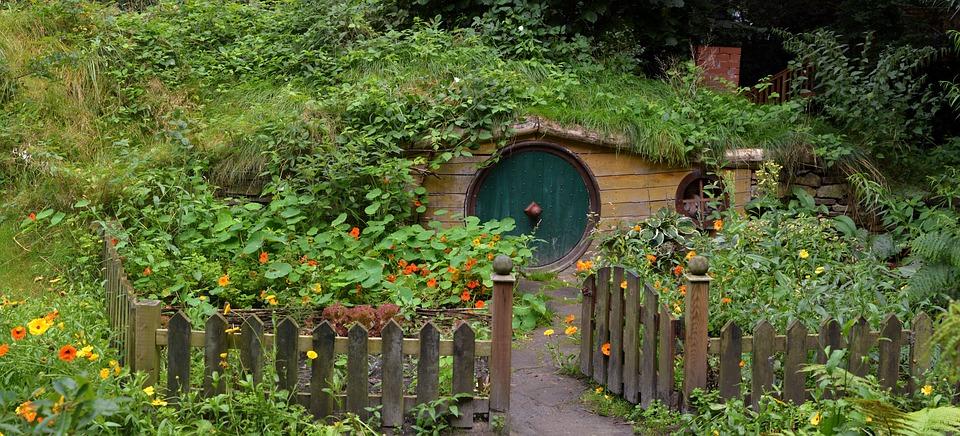 Hobbit Cave Hobbit House Live Garden