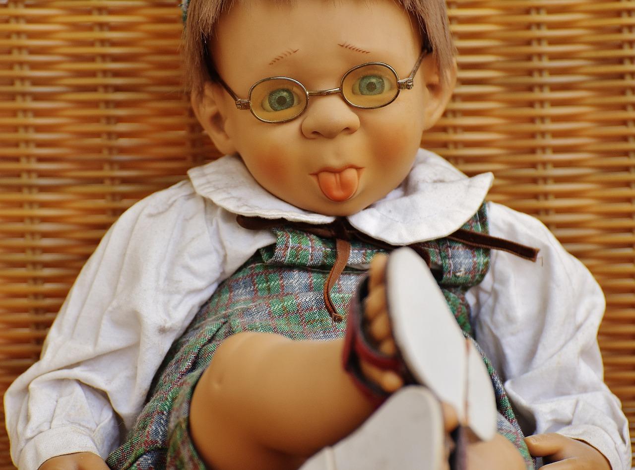 картинки смешные про кукол пересматриваю видео снова