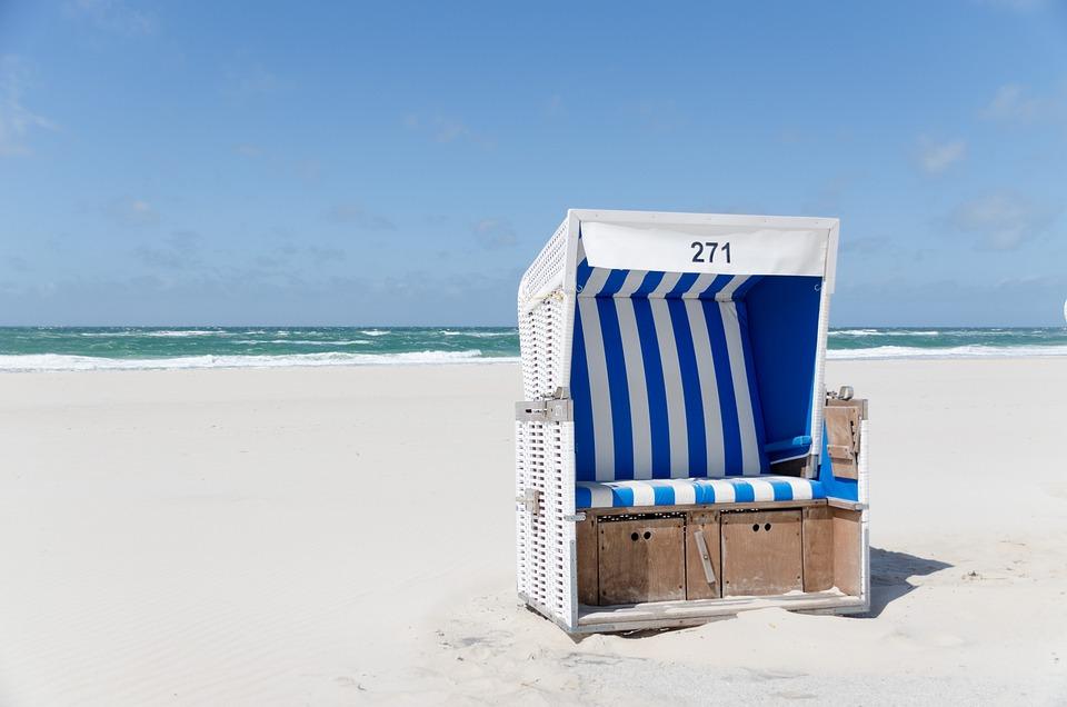 Strandkorb am strand  Kostenloses Foto: Strandkorb, Strand, Westerland - Kostenloses ...