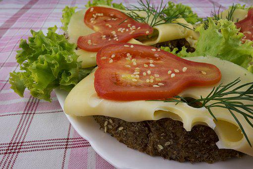 12 Fresh Tomato Sandwich Ideas
