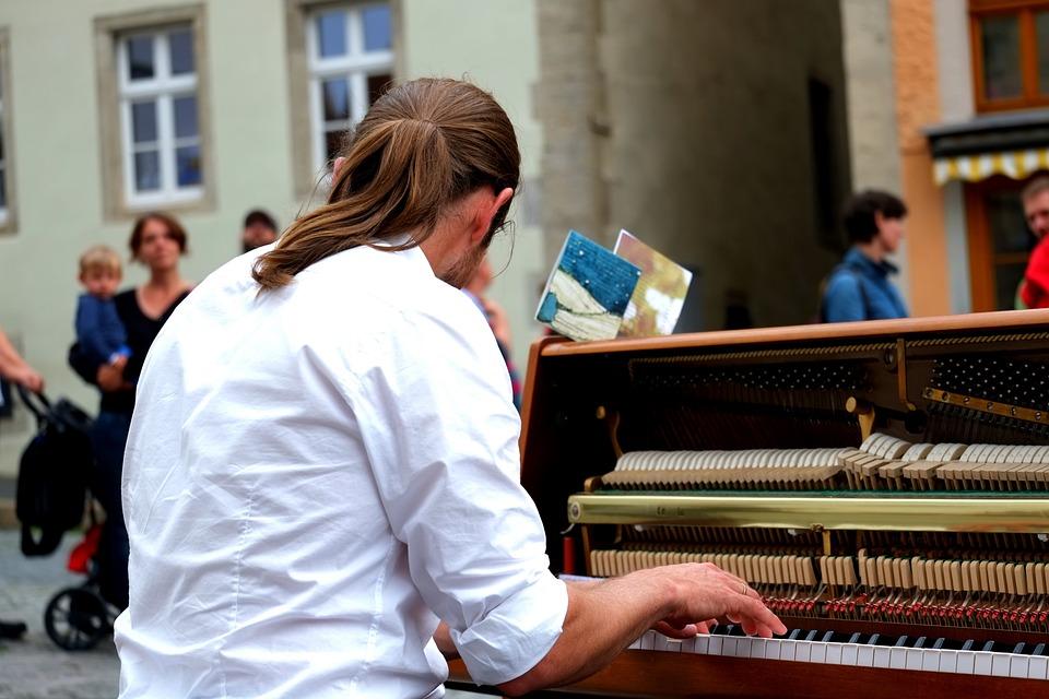 Klavierspieler, Musiker, Konzentriert, Klaviertasten
