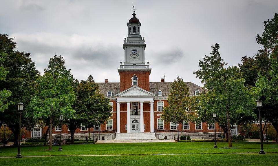 Universidad Johns Hopkins, Sala De Gilman, La Escuela