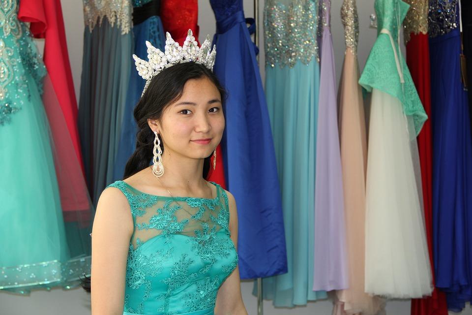 a1c28f37d Vestidos De Noite Coroa Mulher - Foto gratuita no Pixabay