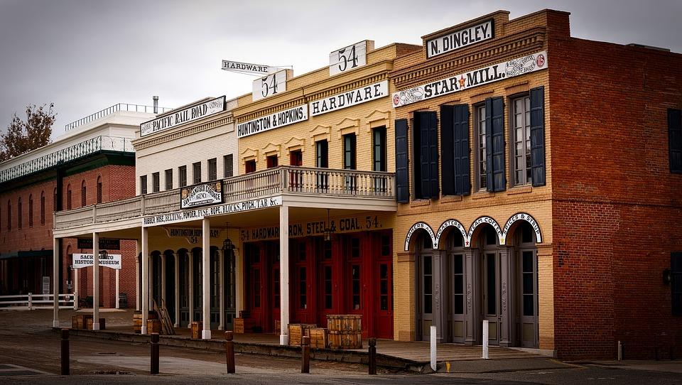 california's haunted hotels