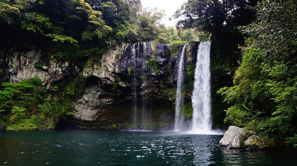 Ảnh đẹp cảnh đẹp hàn quốc : Thác nước cheonjiyeon đảo jeju