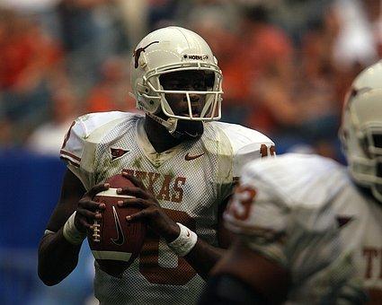 Quarterback, College, Action