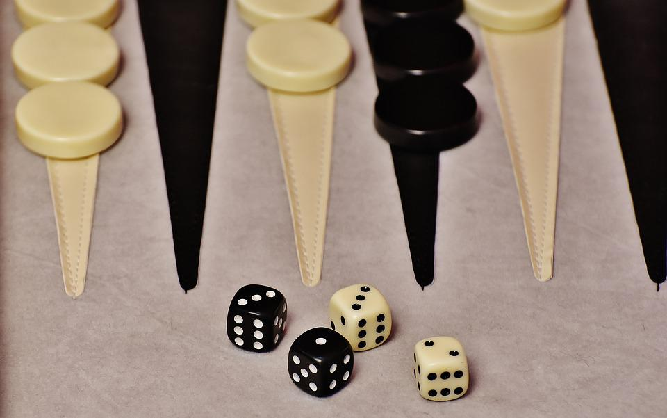 Backgammon Jugar Juego De Mesa Foto Gratis En Pixabay