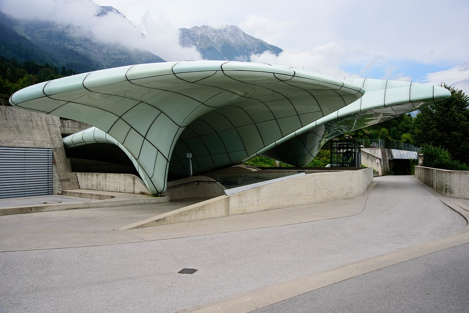 Foto gratis arquitectura moderno zaha hadid imagen for Arquitectura zaha hadid