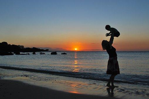 母, 息子, 赤ちゃん, ビーチ, 日没, 再生, 幸せ, 一緒に, シルエット