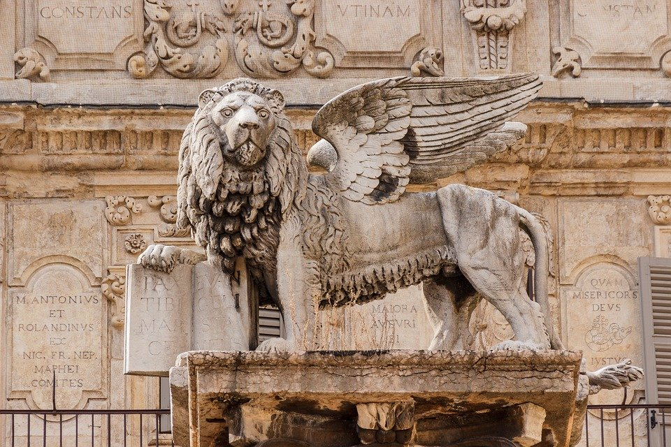 Free Photo Lion Statue Pegasus Winged Lion Free