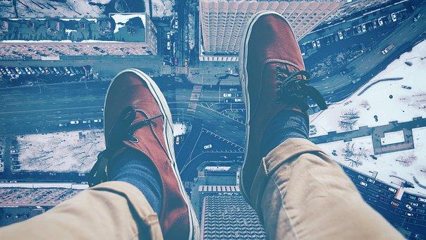 Beine, Schuhe, Sitzen, Stadt, Hochhaus
