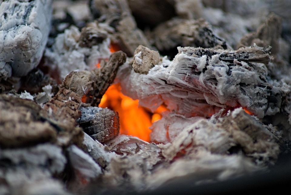 kostenloses foto feuer holzkohle brennen asche kostenloses bild auf pixabay 1629130. Black Bedroom Furniture Sets. Home Design Ideas
