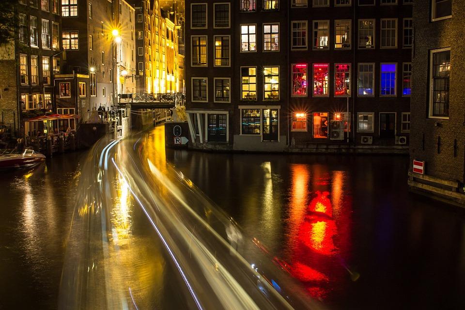 Licht Tour Amsterdam : Amsterdam kanal nacht · kostenloses foto auf pixabay