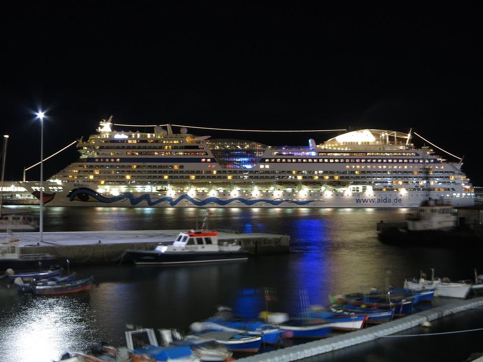 Aida notte illuminazione nave da foto gratis su pixabay