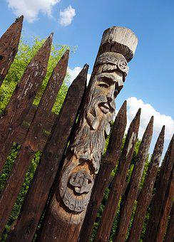 Totem, Wood, Fence, Wheels, Stake