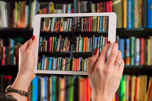 Tablet, Las Manos, Mantener, Libros