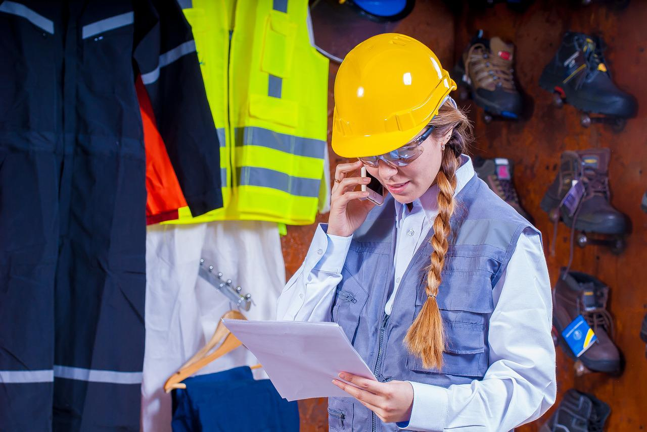 Why To Choose a Career in Logistics and Supply Chain Management?