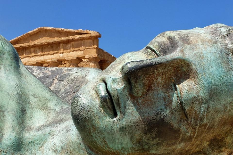 Sicilia, Agrigento, Templi Della Valle, Statua, Bronzo