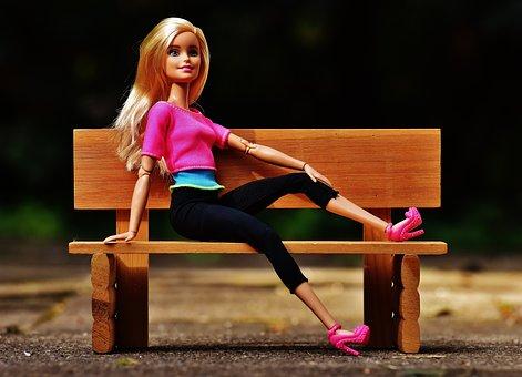 Beauty Barbie Bank Sit Pretty Doll Charmin